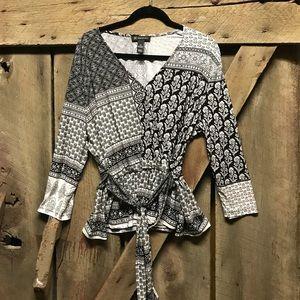 INC black and white wrap style blouse xxl